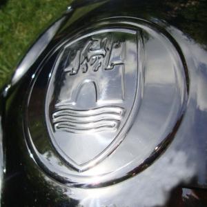 Chrome Wolfsburg Hubcap - Wide 5 Stud Pattern